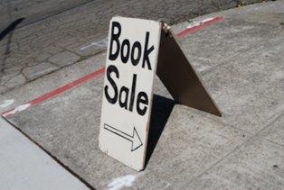 ElCerritoLibrary_BookSale.jpg