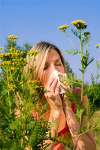 seasonal-allergy-woman-with-tissue-custom-size.jpg